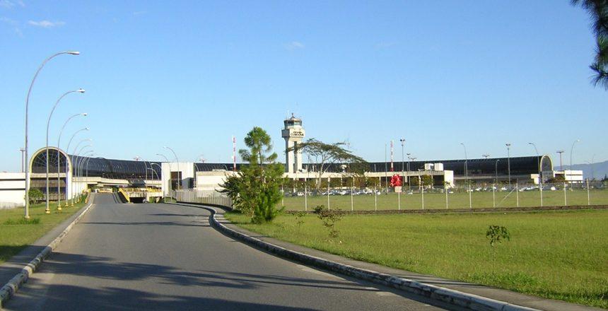 aeropuerto_jose_maria_cordova-exterior2